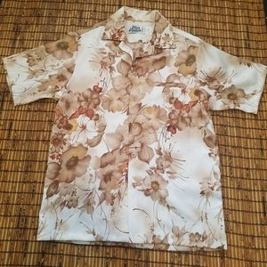 Vintage Hilo Hattie Hawaiian aloha camp shirt